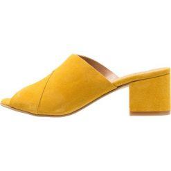 Chodaki damskie: Shoe The Bear MARRY Klapki yellow