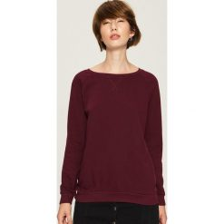 Bluza z raglanowymi rękawami - Bordowy. Czerwone bluzy damskie marki Sinsay, m. Za 29,99 zł.