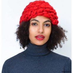 Czapki zimowe damskie: Czerwona czapka z wełny merynosów merino