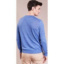 Swetry klasyczne męskie: BOSS CASUAL KWASIROL Sweter blau