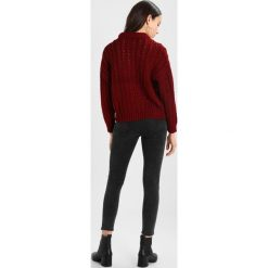 Swetry klasyczne damskie: TWINTIP CHUNKY WITH BALLOON SLEEVES  Sweter bordeaux