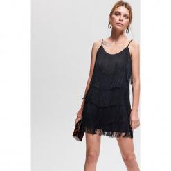 Sukienka z frędzlami - Czarny. Czarne sukienki z falbanami marki Reserved. Za 139,99 zł.