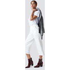 NA-KD Szerokie spodnie - White,Offwhite. Białe spodnie z wysokim stanem NA-KD. Za 121,95 zł.