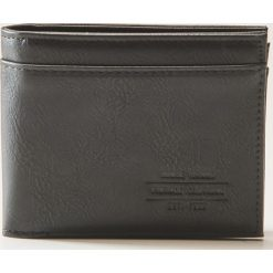 Portfel z eco skóry - Czarny. Czarne portfele męskie marki House, ze skóry. Za 39,99 zł.