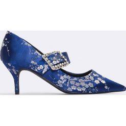 Czółenka: NA-KD Shoes Czółenka na średnim obcasie z ozdobną klamrą – Blue