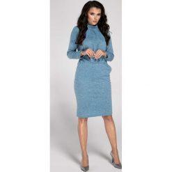 Niebieska Sukienka Midi z Półgolfem. Czerwone sukienki balowe marki Molly.pl, l, z jeansu, z dekoltem na plecach, z długim rękawem. W wyprzedaży za 99,42 zł.