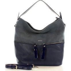 Stylowa torebka z kieszeniami granatowa JULIA. Czarne torebki klasyczne damskie Monnari. Za 169,00 zł.