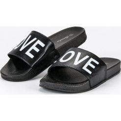 Chodaki damskie: Czarne klapki love RENDA