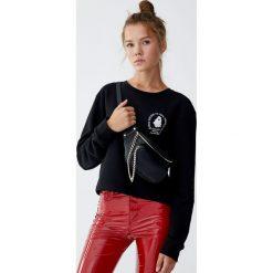 Bluza z duchem. Czarne bluzy damskie Pull&Bear. Za 39,90 zł.