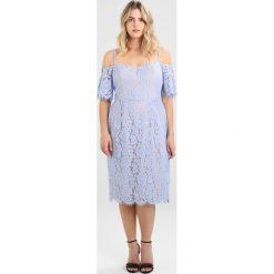 City Chic DRESS WHISPER Sukienka koktajlowa blue powder. Niebieskie sukienki koktajlowe marki City Chic, z bawełny. W wyprzedaży za 503,20 zł.