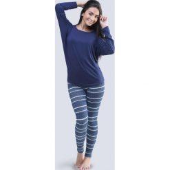 Piżama damska z kimonowymi rękawami Winter niebieska. Niebieskie piżamy damskie Astratex, w geometryczne wzory, z bawełny. Za 125,99 zł.