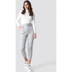 Trendyol Spodnie w kratkę - Grey. Szare spodnie z wysokim stanem Trendyol, w kratkę. Za 100,95 zł.
