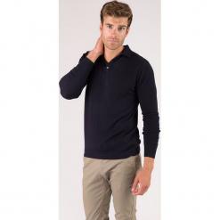 Sweter kaszmirowy w kolorze granatowym. Niebieskie swetry klasyczne męskie marki Just Cashmere, m, z kaszmiru, z klasycznym kołnierzykiem. W wyprzedaży za 326,95 zł.
