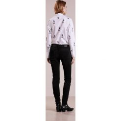 CLOSED BAKER Jeansy Slim Fit grey denim. Szare jeansy damskie CLOSED, z bawełny. W wyprzedaży za 552,30 zł.