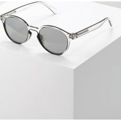 Marc Jacobs MARC Okulary przeciwsłoneczne crystal black. Czarne okulary przeciwsłoneczne damskie wayfarery Marc Jacobs. Za 589,00 zł.