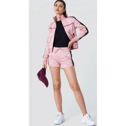 NA-KD Szorty sportowe - Pink. Różowe spodenki sportowe męskie marki NA-KD. W wyprzedaży za 56,67 zł.