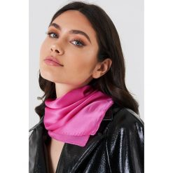 Apaszki damskie: NA-KD Exclusive Jedwabna apaszka – Pink