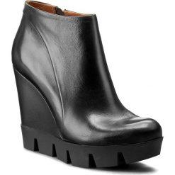 Botki NESSI - 690/N Czarny 14. Czarne buty zimowe damskie marki Nessi, z materiału, na obcasie. W wyprzedaży za 249,00 zł.