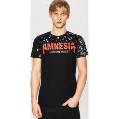 T-shirt z nadrukiem - Czarny. Czarne t-shirty męskie z nadrukiem marki House, l. Za 29,99 zł.