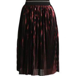 Spódniczki plisowane damskie: MARCIANO LOS ANGELES Spódnica plisowana red