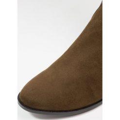 ALDO ELINNA Muszkieterki khaki. Brązowe buty zimowe damskie ALDO, z materiału. W wyprzedaży za 335,20 zł.