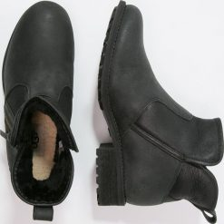 Buty zimowe damskie: UGG LAVELLE Ankle boot black