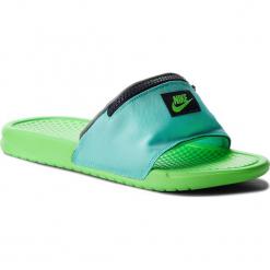 Klapki NIKE - Benassi Jdi Fanny AO1037 300 Aurora Green/Green Strike. Zielone chodaki męskie Nike, z materiału. W wyprzedaży za 179,00 zł.