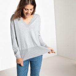 Swetry damskie: Sweter z dekoltem w kształcie litery V