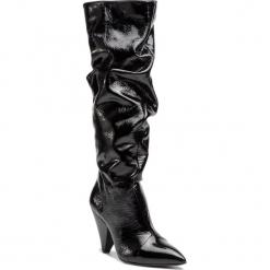 Kozaki KAZAR - Vilda 34025-L9-00 Black. Czarne buty zimowe damskie Kazar, z lakierowanej skóry, na wysokim obcasie. Za 949,00 zł.