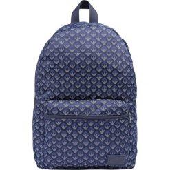 Armani Junior ZAINO Plecak navy blue. Niebieskie plecaki damskie Armani Junior. W wyprzedaży za 398,30 zł.
