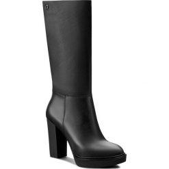 Kozaki CARINII - B3608 H98-000-PSK-B96. Czarne buty zimowe damskie marki Carinii, z materiału, przed kolano, na wysokim obcasie. W wyprzedaży za 299,00 zł.