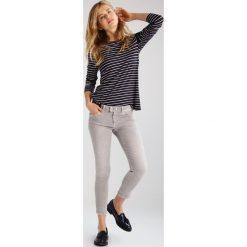 Mavi ADRIANA  Jeans Skinny Fit grey washed. Szare rurki damskie Mavi. Za 269,00 zł.