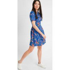 Sukienki: Krótka sukienka w kwiaty