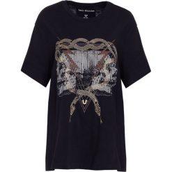 True Religion WALT TEE Tshirt z nadrukiem black. Czarne t-shirty męskie z nadrukiem True Religion, l, z bawełny. Za 379,00 zł.
