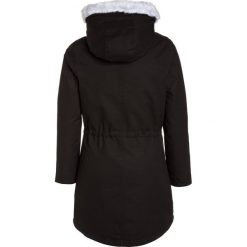 Bench 2IN1 Płaszcz zimowy pirate black. Czarne kurtki chłopięce Bench, na zimę, z materiału. W wyprzedaży za 407,20 zł.