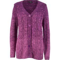 Sweter rozpinany, cieniowany kolor bonprix fiołkowy lila - różowy. Fioletowe kardigany damskie marki bonprix. Za 89,99 zł.