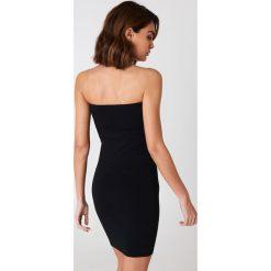 NA-KD Basic Sukienka bandeau basic - Black. Różowe sukienki na komunię marki NA-KD Basic, z bawełny. Za 60,95 zł.