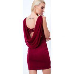 Sukienka z ozdobnym dekoltem na plecach bordowa G5016. Sukienki na komunię Fasardi, m, z dekoltem na plecach. Za 79,00 zł.