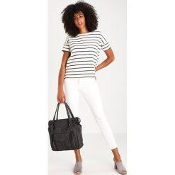 Torebki klasyczne damskie: Tamaris ADRIANA BOWLING BAG Torba na zakupy black