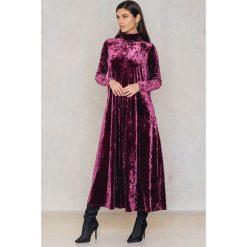 Sukienki: NA-KD Party Aksamitna długa sukienka z golfem - Purple
