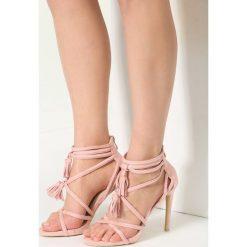 Różowe Sandały By Heart. Czerwone sandały damskie marki vices, na wysokim obcasie. Za 69,99 zł.