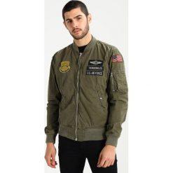 Schott NYC CLAY Kurtka Bomber khaki. Zielone kurtki męskie bomber marki Schott NYC, m, z bawełny. W wyprzedaży za 527,20 zł.