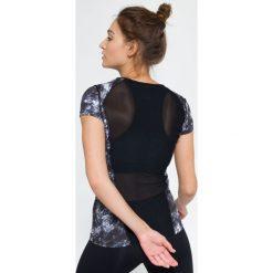 Koszulka treningowa damska TSDF114 - multikolor - 4F. Czarne topy sportowe damskie 4f, s, z dzianiny, z dekoltem na plecach. Za 59,99 zł.