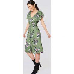 Sukienki hiszpanki: Minkpink Sukienka midi Wanderer – Green
