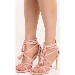 Różowe Sandały Wiren. Czerwone rzymianki damskie Born2be, w paski, na wysokim obcasie, na słupku. Za 59,99 zł.