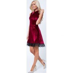Sukienka z kołnierzykiem bordowa MP60285. Czerwone sukienki Fasardi, l. Za 89,00 zł.