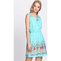Sukienki: Miętowa Sukienka She Is The One