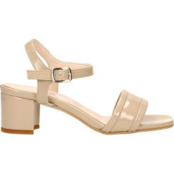Sandały HIRINI. Białe sandały damskie marki Coqui, na wysokim obcasie. Za 239,90 zł.