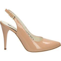 CZÓŁENKA NEŚCIOR 29-V. Różowe buty ślubne damskie Casu, na koturnie. Za 219,99 zł.