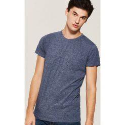 T-shirt basic z kieszonką - Granatowy. Niebieskie t-shirty męskie House, l. Za 35,99 zł.